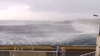 Корфу: шотландский турист заснял огромный водоворот на побережье острова