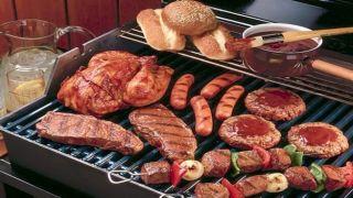 Сегодня в Греции празднуют Мясоед — Цикнопемпти