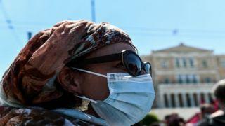 Эксперт за пересмотр мер для вакцинированных и призывает носить маску