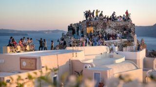 Более 2 миллионов туристов посетило остров Санторини в 2017 году