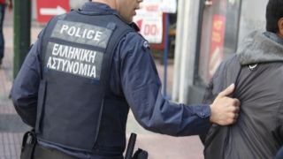 Омониа: выходец из Грузии арестован за ограбление под угрозой шприца