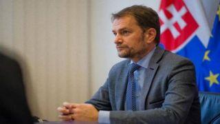 Словакия: часть Украины в обмен на «Спутник V», комендантский час и ссора премьера с президентом