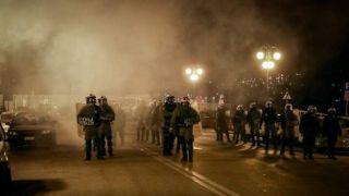 Комиссия ЕС призывает к сдержанности после столкновений на греческих островах