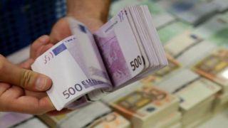 Доход от каких услуг, оказываемых в Греции, сократился?