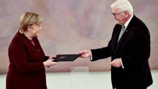 Официально Ангела Меркель уже не канцлер Германии, но все еще «и.о.»