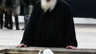 Священник-хакер считал себя Робин Гудом, но попал в тюрьму