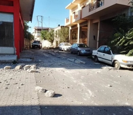 Сильное землетрясение на Крите 5.8 (6.5) балла (дополнено)
