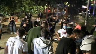 Коронавирус: власти Греции борются с нежеланием молодежи принимать меры защиты
