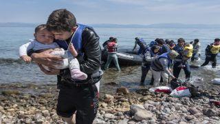 """Несогласным странам предложили """"откупиться"""" от беженцев"""