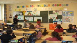 Франция: новый протокол для школ грозит новыми протестами