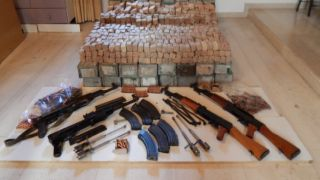 Крит: Автоматы Калашникова... родом из Албании