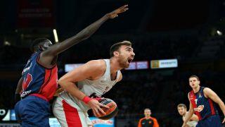 Олимпиакос выдает стопроцентный результат в гостевом старте Евролиги