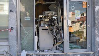 Грабители взорвали два банкомата в Вари и Ликовриси