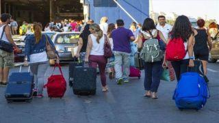 Греки активно путешествуют, несмотря на кризис