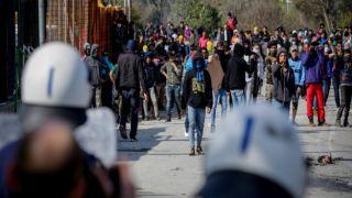 Лесбос: один тяжело раненый в результате массовой драки мигрантов
