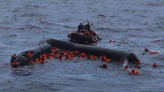 Одна нелегалка погибла, вторая пропала без вести у острова Лесбос