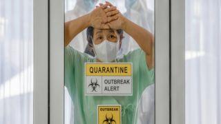 Как лечат коронавирус в Италии, Греции и США