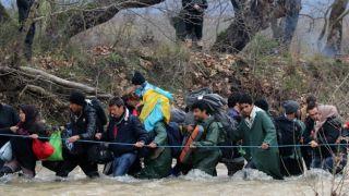 Spiegel: Греция незаконно репатриирует беженцев в Турцию