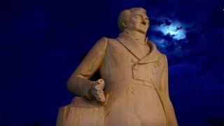 Вандалы повредили статую Каподистрии в Нафплио (Видео)