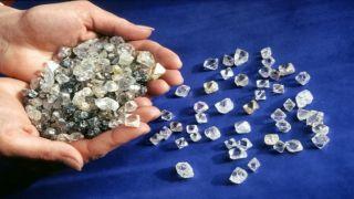 Один из основных торговцев алмазами в мире - грек из маленькой деревеньки