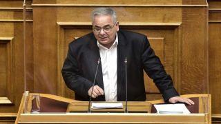 Вице-спикер парламента от КПГ просит отпустить его на работу врачом в Ларисе