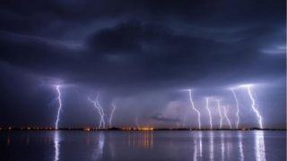 Греция: Более 10.000 разрядов молний за 12 часов