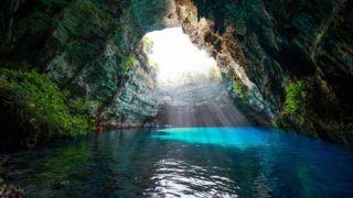 Пещера нимф - удивительный природный феномен
