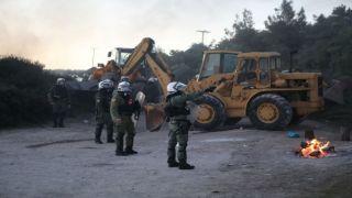 Жители Лесбоса и Хиоса взбунтовались против строительства лагерей
