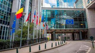 ЕС затребует у Pfizer разъяснения по поводу задержек с поставкой вакцины