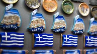Средний класс Греции стал на 30% беднее, чем до кризиса