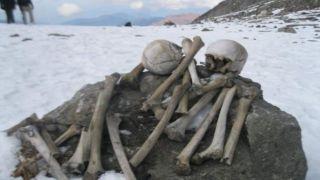 Останки 14 греков найдены на «Озере Скелетов»
