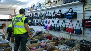 Полицейский рейд против торговых точек в центре Афин