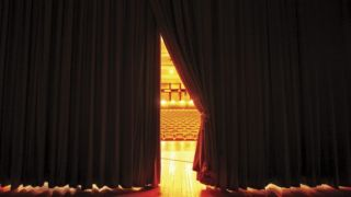 Открытие музеев, летних кинотеатров и театров