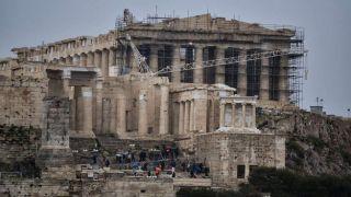 Акрополь закрыли после штормового предупреждения