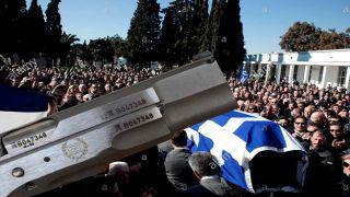Бывшие депутаты Золотой Зари осуждены за салют на похоронах