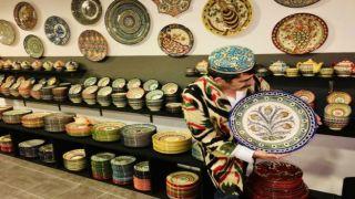 Изделия узбекских народных умельцев в Афинах