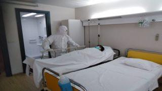 Отрицательный анализ на коронавирус у 40-летнего пациента в Патрах