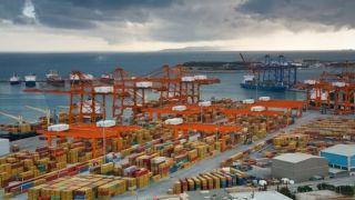 Греция: экспорт и импорт резко сократились в июне