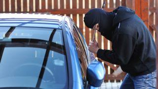 Угонщики открывали роскошные авто за 1 минуту