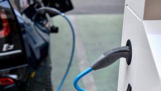 Стимулы к использованию электромобилей в Греции
