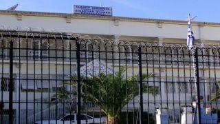 Греция: заключенный подстрелил охранника из самодельного пистолета