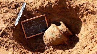 Античные гробницы обнаружены в Илии на юге Греции