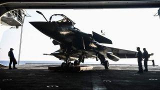 Франция пообещала поддержку Греции в ситуации с Ливией и Турцией