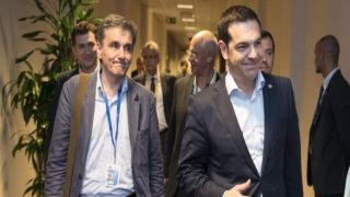 Наденет ли сегодня галстук Ципрас?