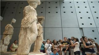 На День независимости Греции, бесплатный вход в музей Акрополя