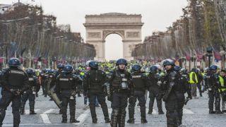Беспорядки в Париже: протесты продолжаются несмотря на уступки властей