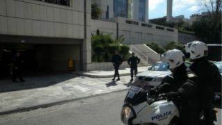 Анархисты атакуют суды в Афинах и Патрах