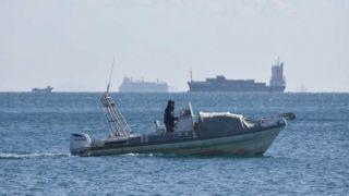 Греческое рыболовецкое судно столкнулось с турецким катером