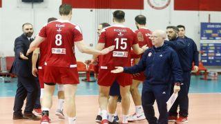 Волейбольный Олимпиакос делает широкий шаг к четвертьфиналу европейского Кубка