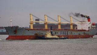 Украинские моряки в Омане 10 месяцев живут на греческом судне без зарплаты и возможности выйти на берег